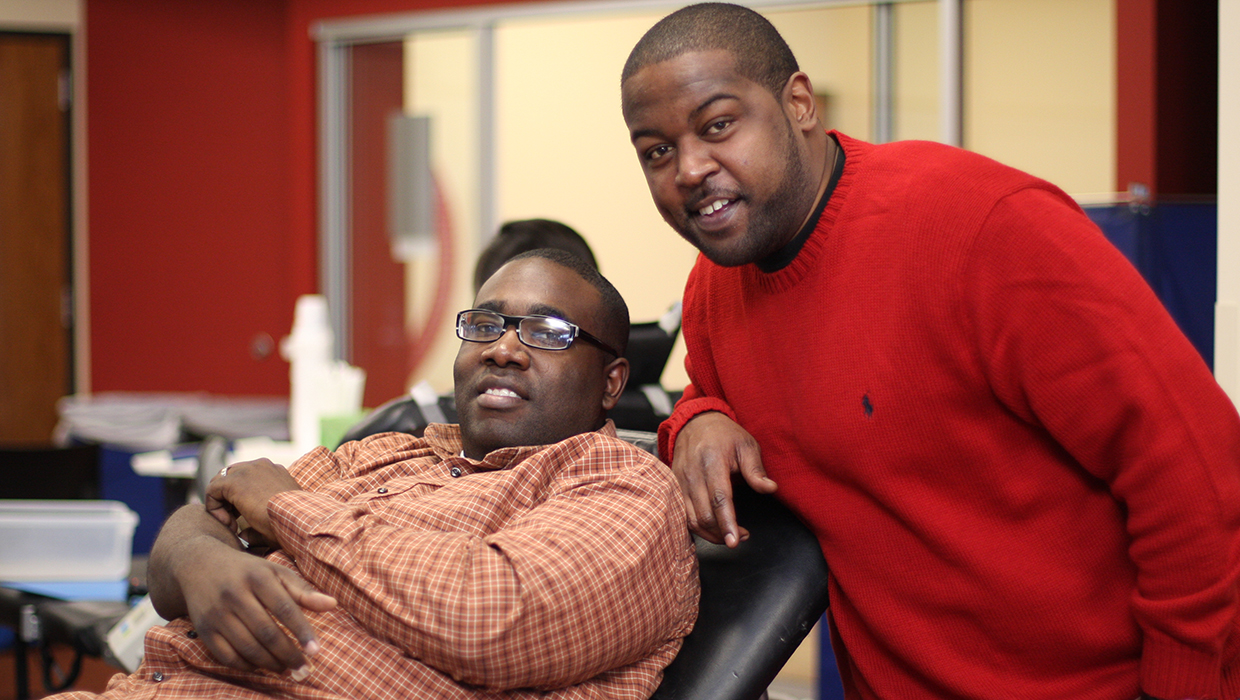 Sickle Cell Blood Drive, Ron Dayne with donor