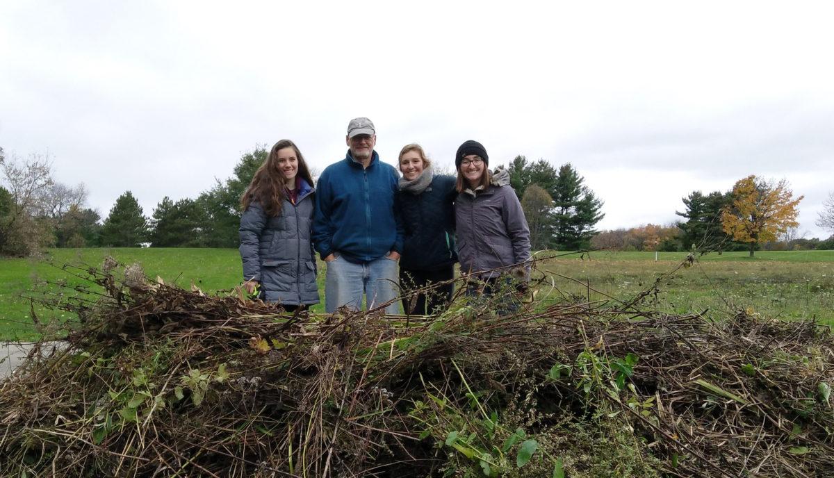 Badger Volunteers at Friends of Lake Wingra