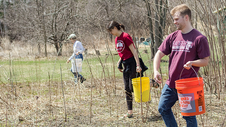 Badger Volunters - Aldo Leopold Center
